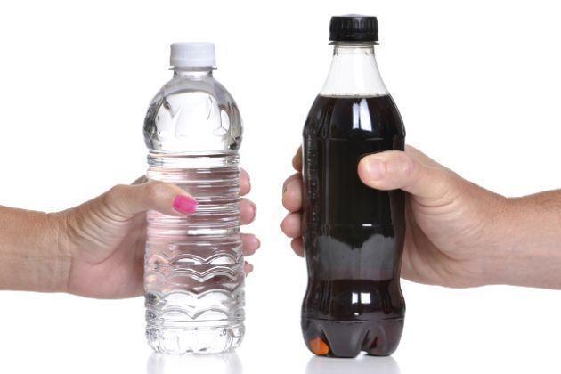 botella de coca cola sin etiqueta